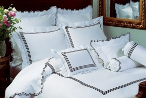 Hampton Court, 300 thread count sateen. Made in Italy.
