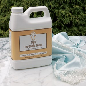 Le Blanc Silk and Lingerie Wash