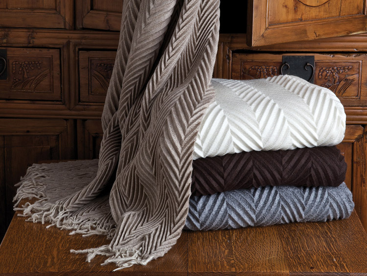 Cantata Cashmere Throw