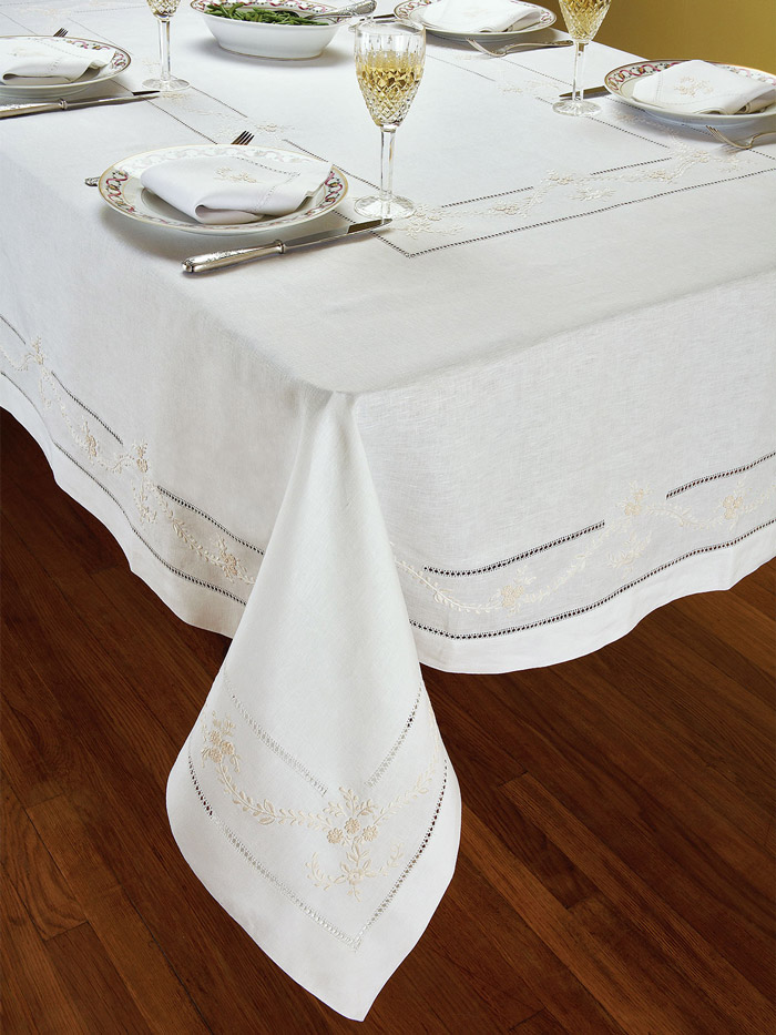 Manor Tablecloth