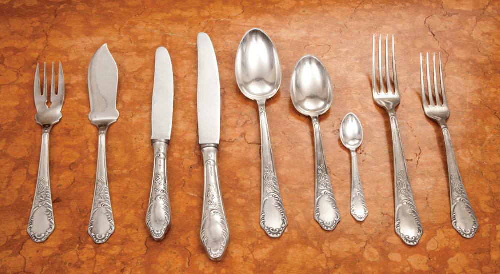 116 piece sterling silver flatware set in a chest for Cuberteria plata