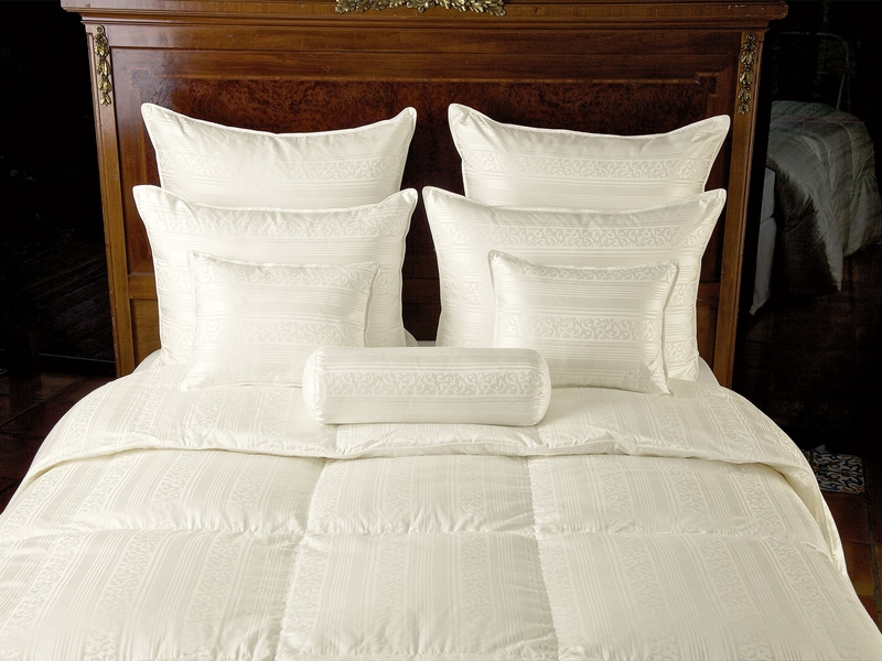 Trouvaille bedding