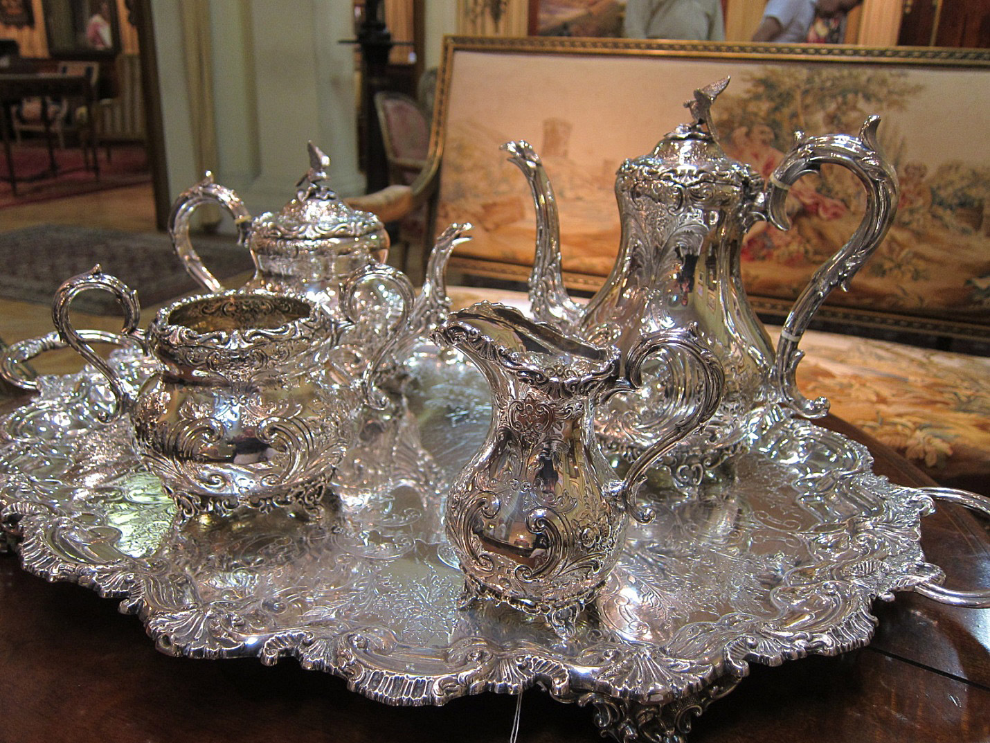 Antique Serving-Set