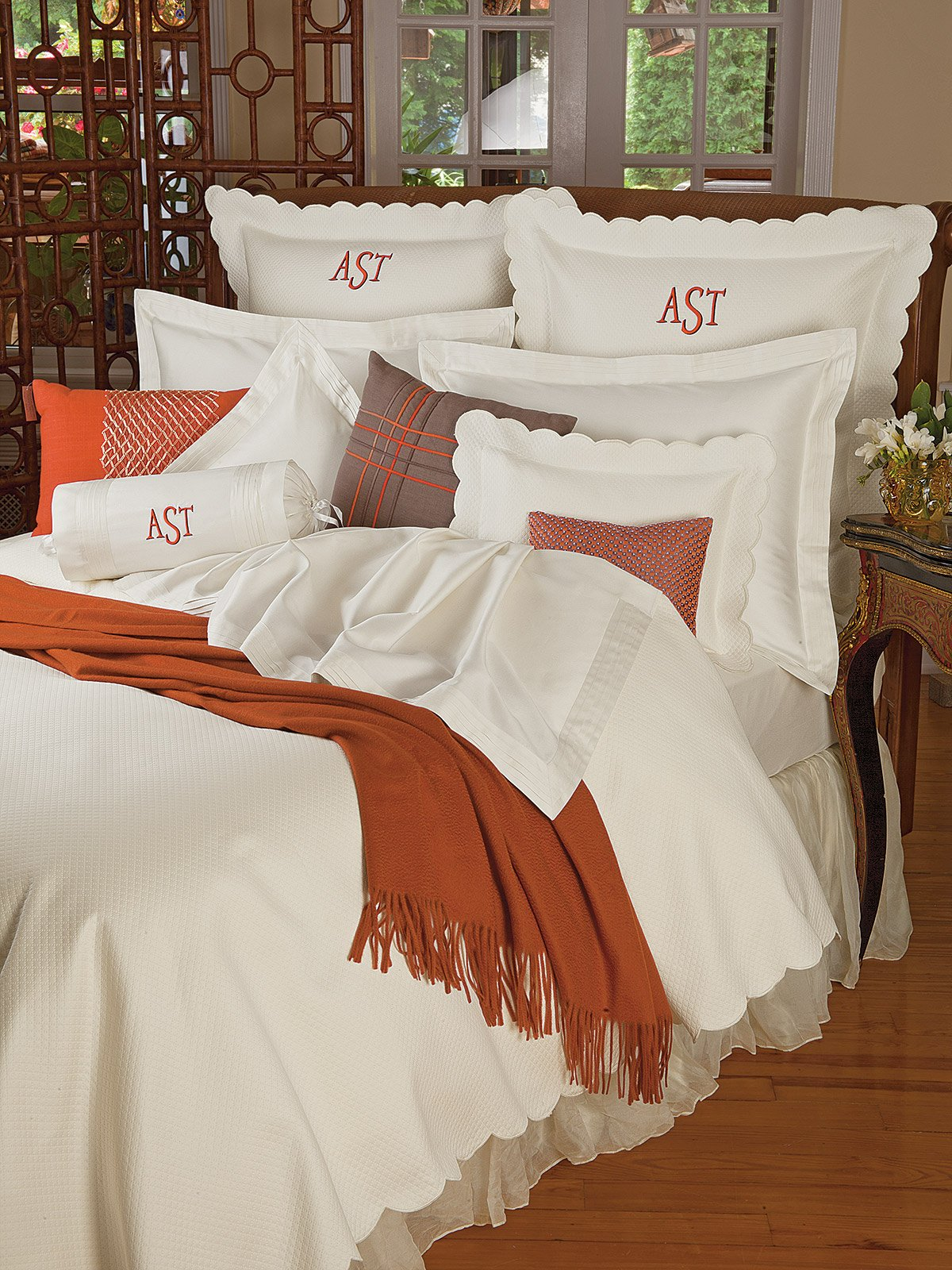 Color Coordinating with Blanket Covers, Duvet Covers, Shams and Decorative Pillows - Schweitzerlinen