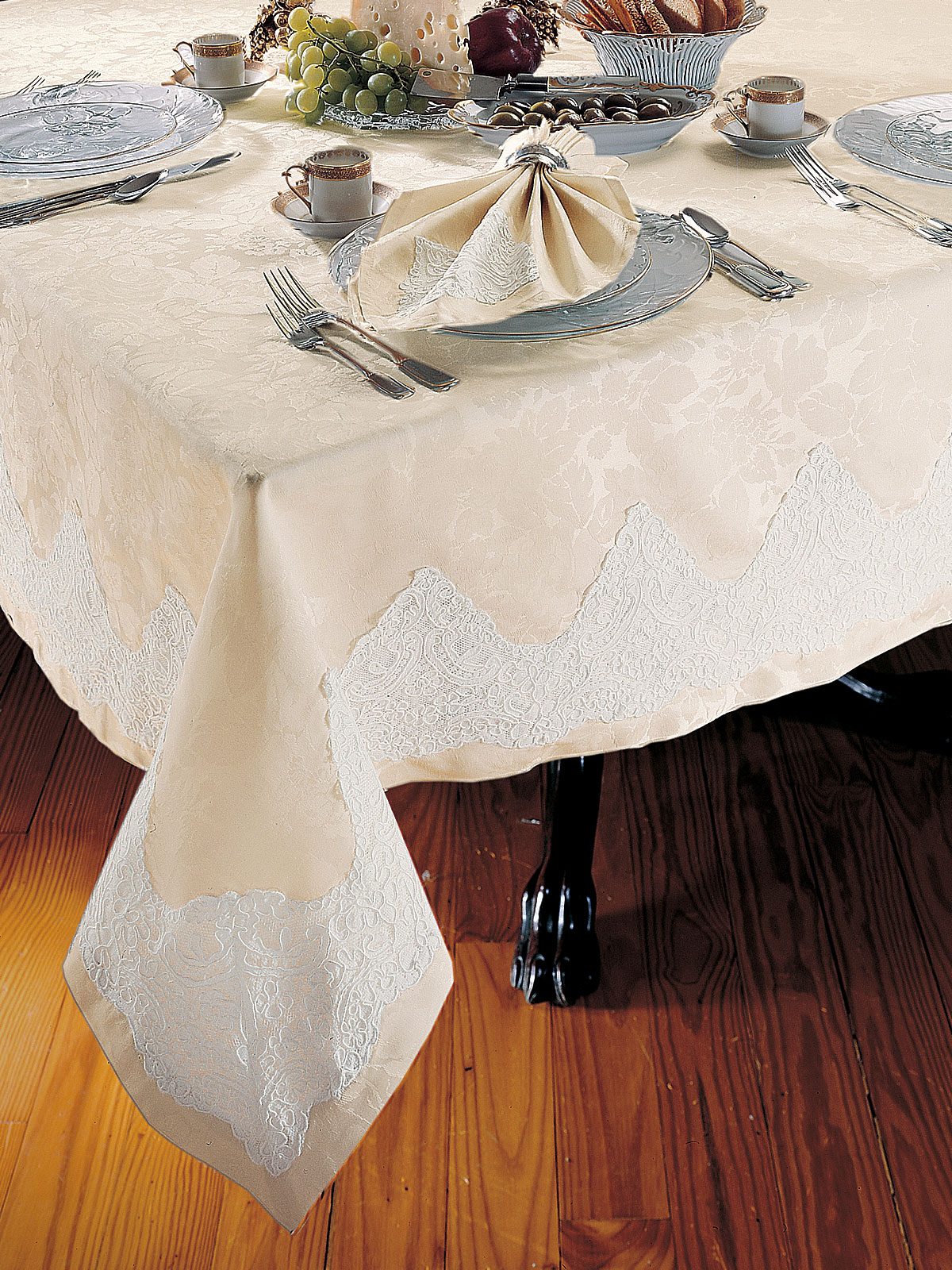 Characteristics of the Different Types Lace Schweitzerlinen