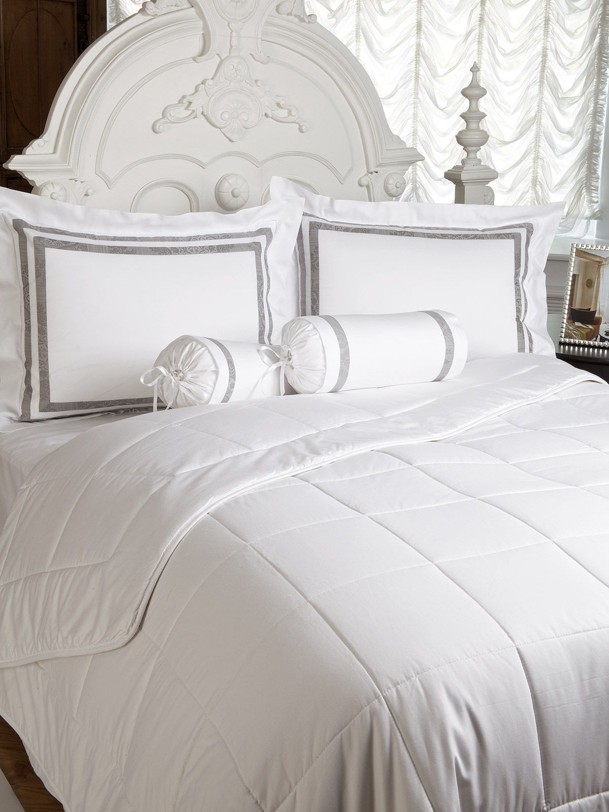 washable cottonfilled comforter  luxury comforters  luxury  - washable cottonfilled comforter