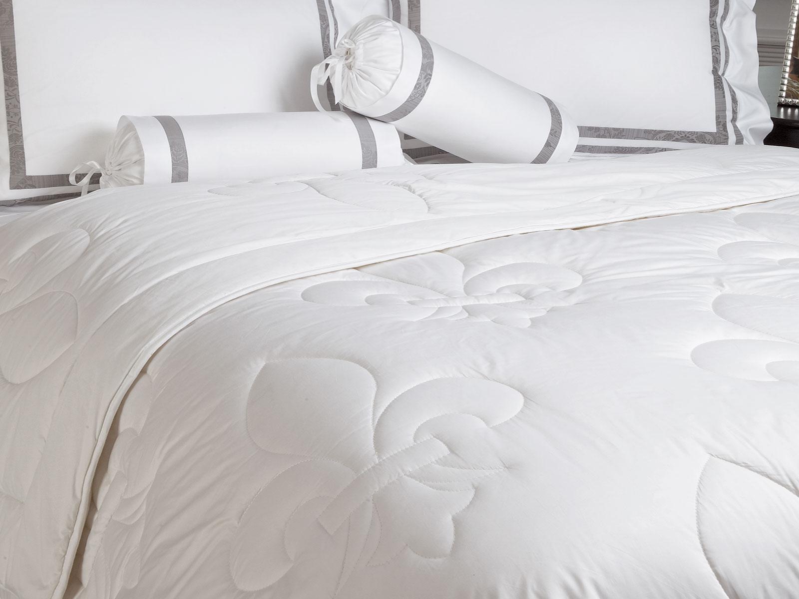 washable woolfilled comforter  luxury comforters  luxury  - washable woolfilled comforter