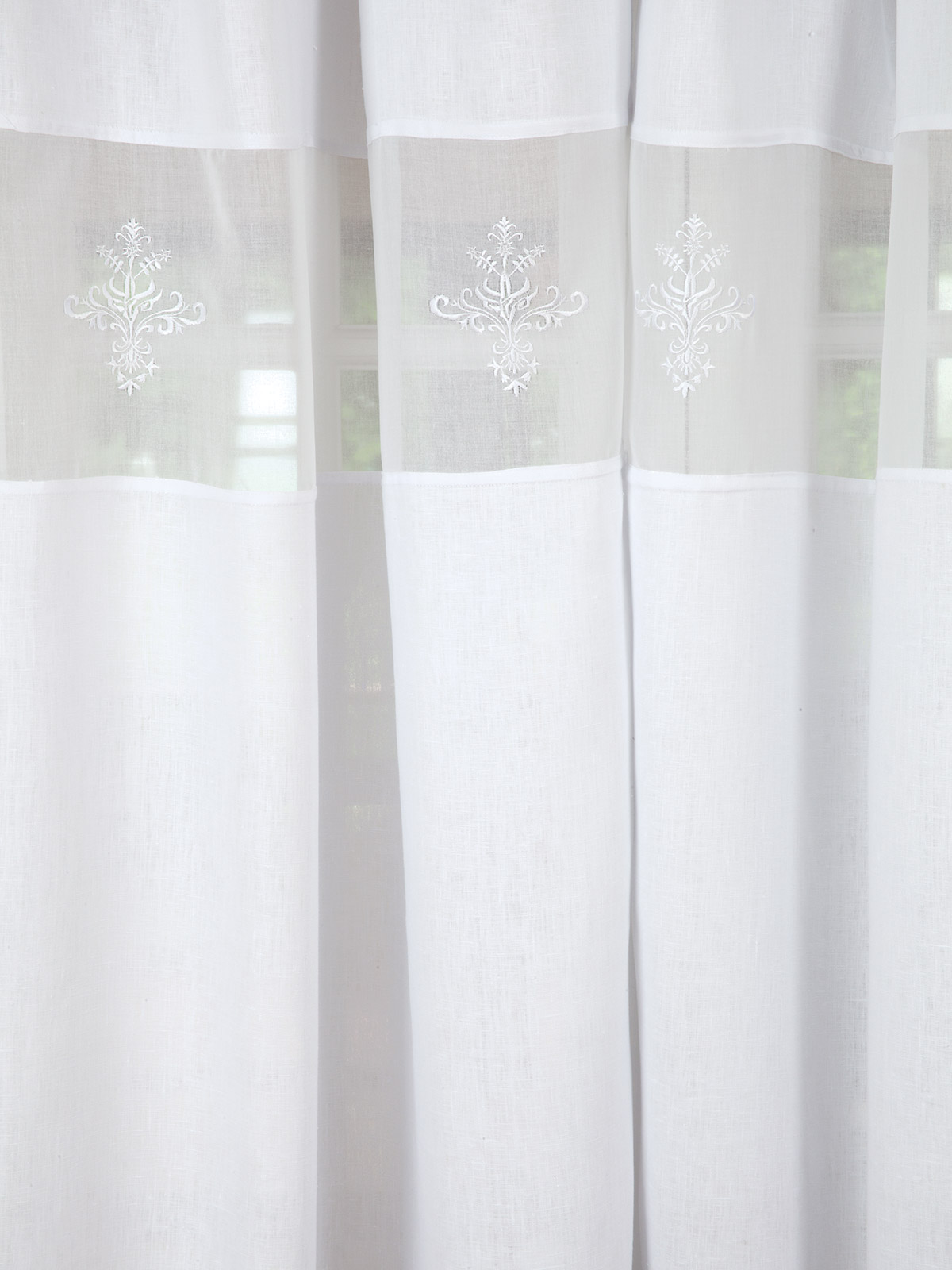 Royal Crest Accessories Schweitzer Linen