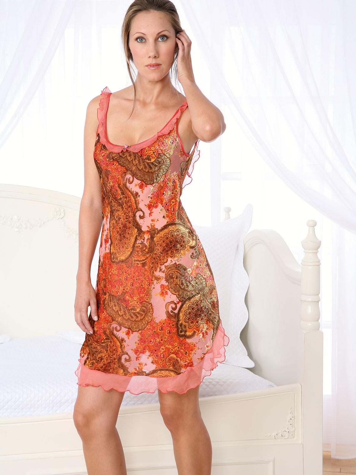 Dara Luxury Nightwear Schweitzer Linen