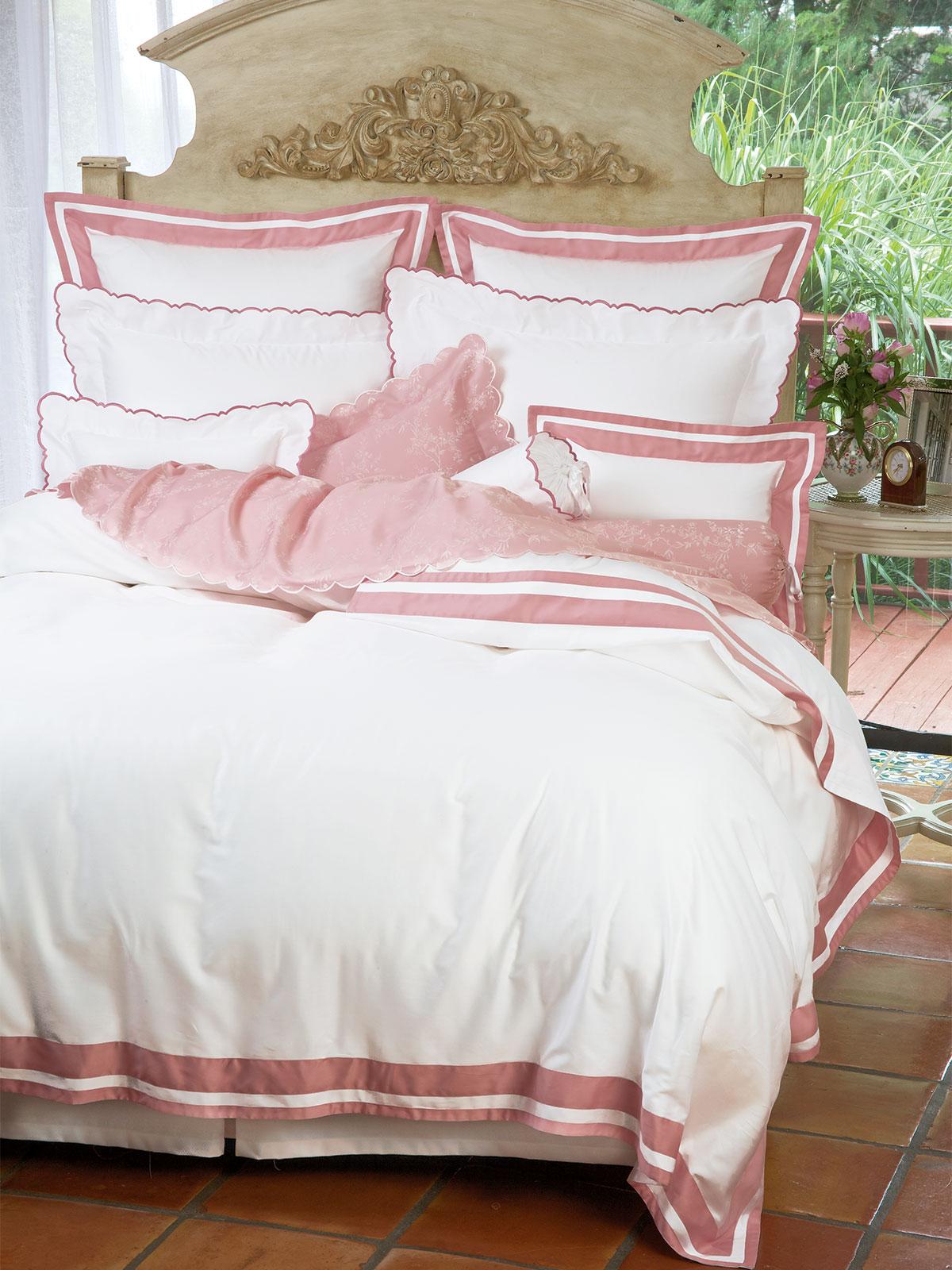 vis a vis fine bed linens luxury bedding italian bed linens schweitzer linen. Black Bedroom Furniture Sets. Home Design Ideas
