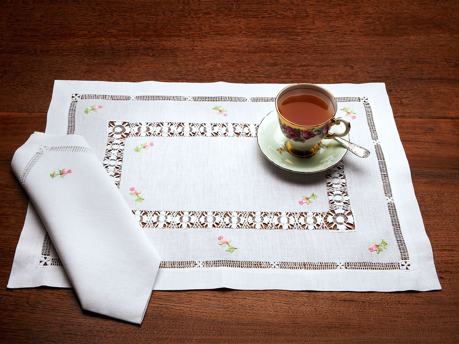 Finesse Luxury Table Cloths Fine Table Linens