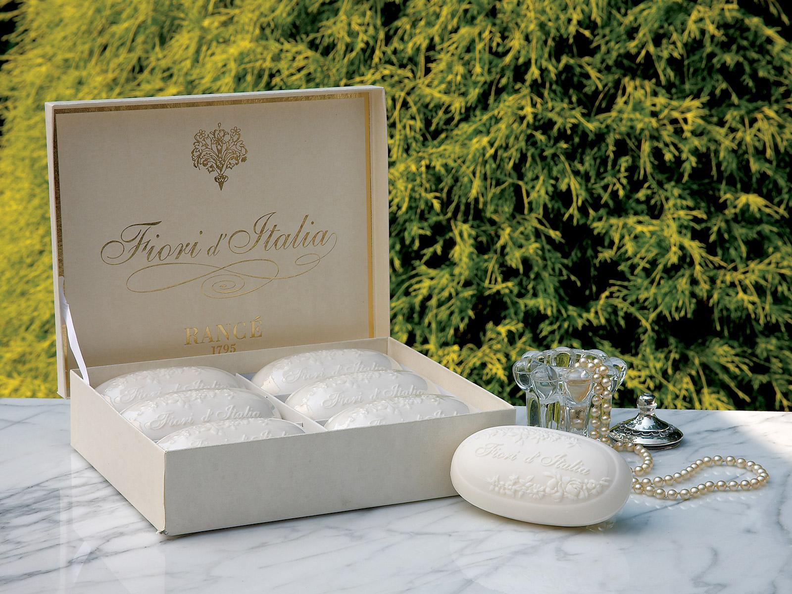 Fiori In Italia.Fiori D Italia Luxury Soaps Luxury Bath Accessories Luxury