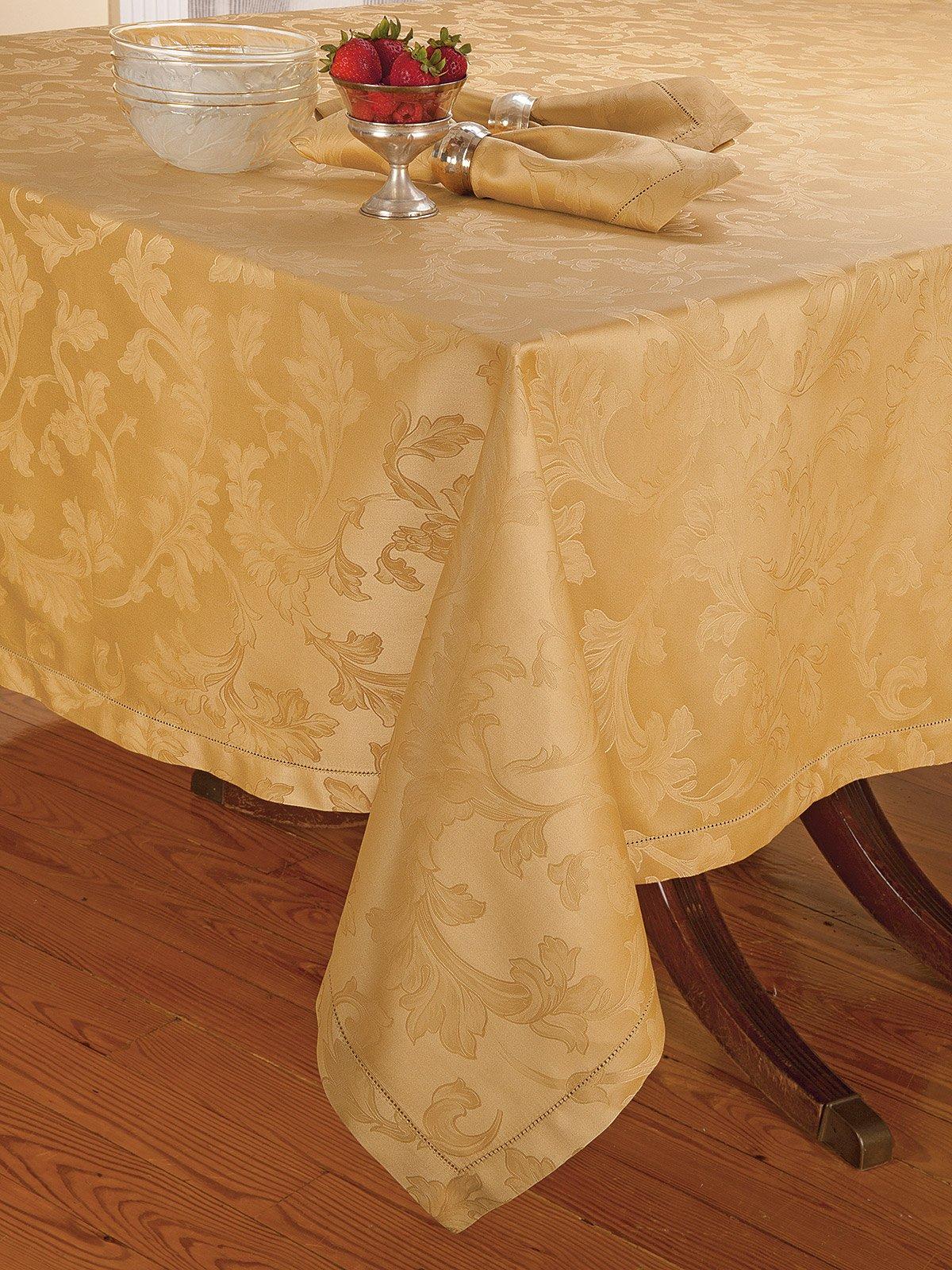 Wonderful Kingsbury Tablecloth: Gold