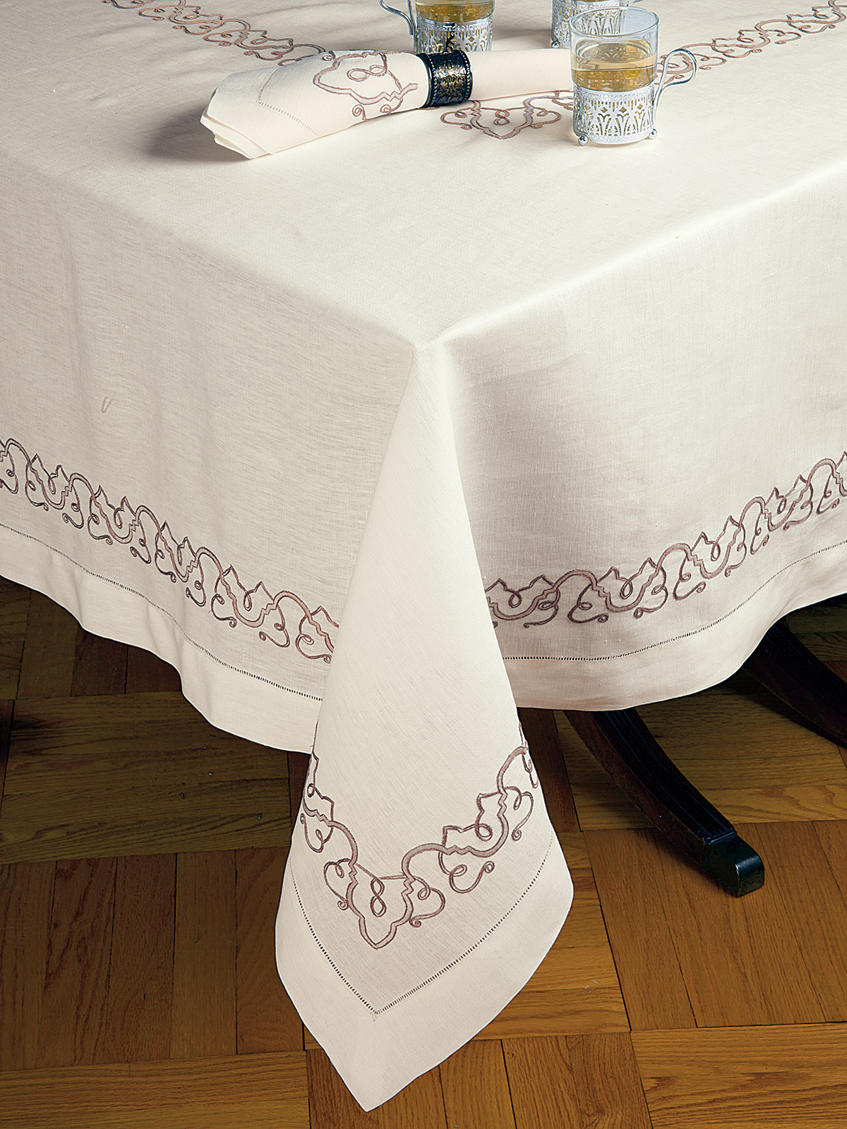 Exceptional Tuscany Table Cloth