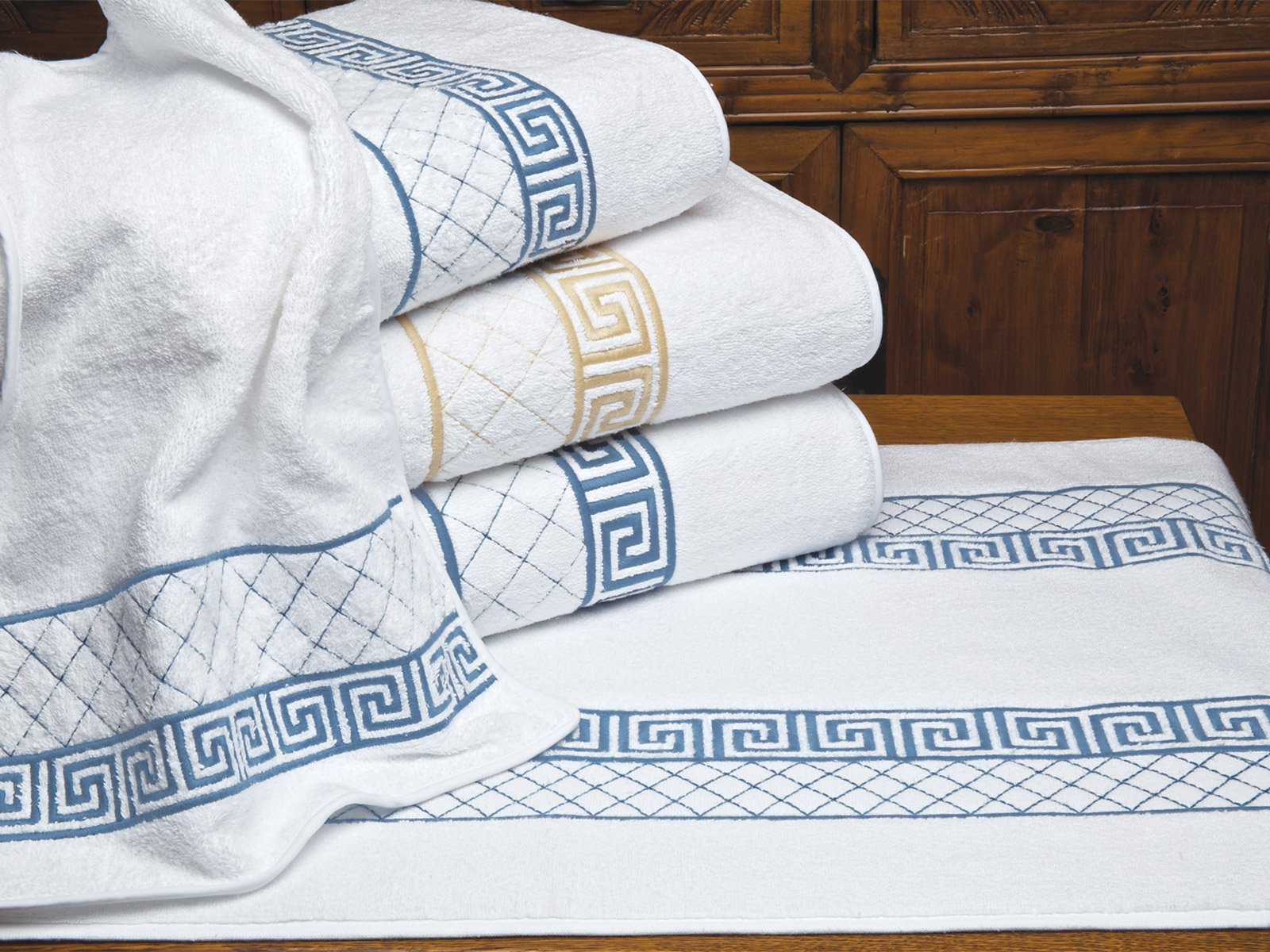 Attractive Acropolis Towels - Schweitzer Linen KB44